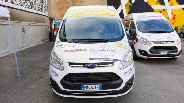 Consegna Ford Custom Associazione Misericordia Arezzo