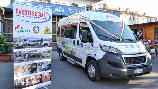 Consegna Peugeot Expert Fratellanza Popolare Peretola
