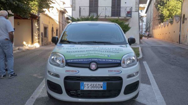 Consegna Fiat Panda Associazione Auser di Torgiano